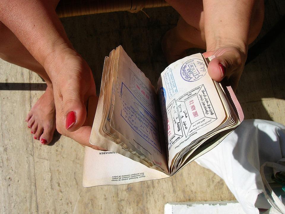Pasaporte colombiano mejora en el índice de pasaportes de Henley