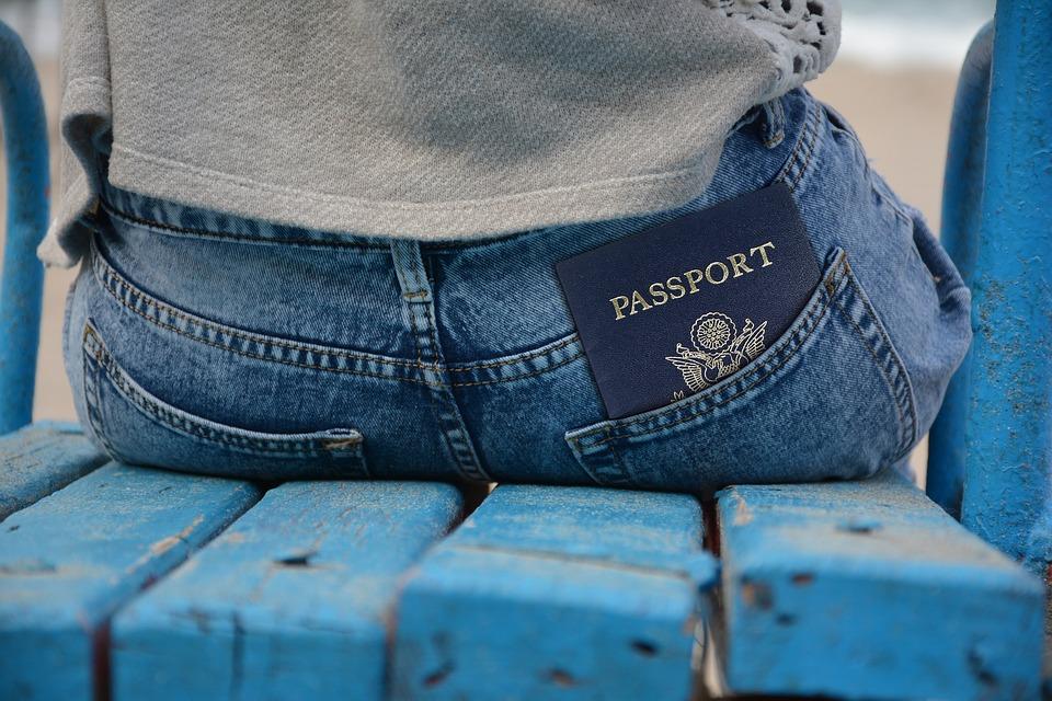 Gobiernos de RD y Servia sellan acuerdos sobre visado y flujo turístico