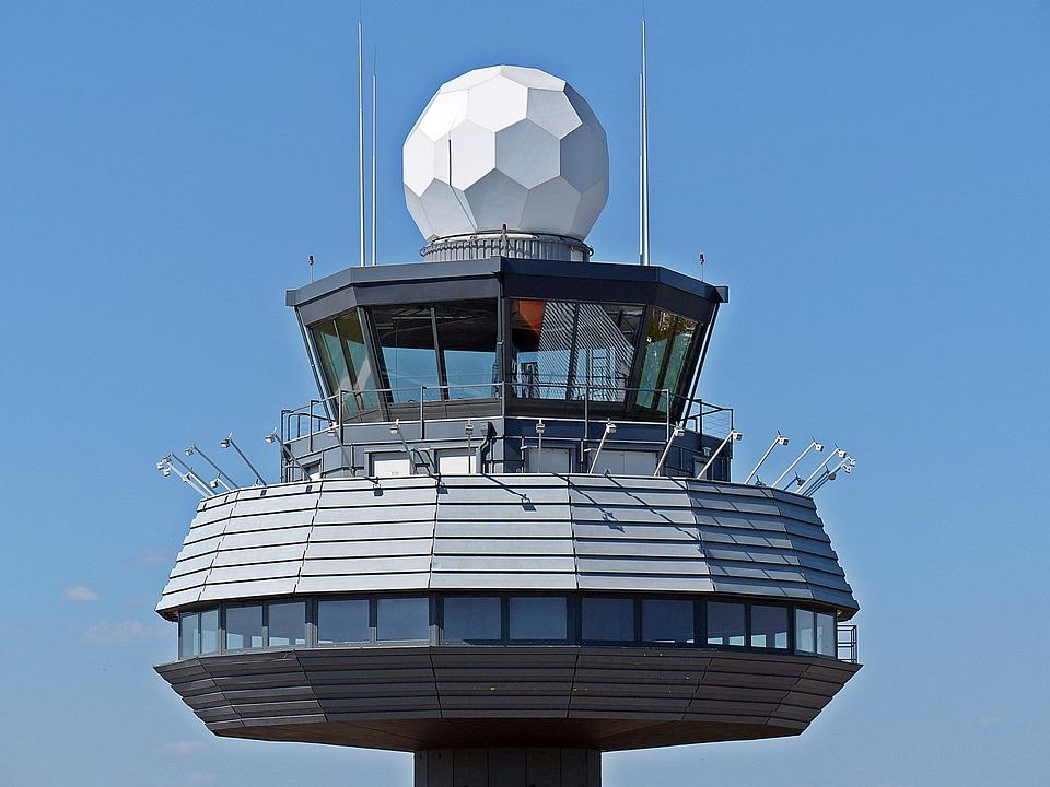España: Los centros de control aéreo de Barcelona y Madrid se mantienen entre las infraestructuras europeas con más retrasos