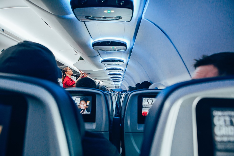 Los servicios complementarios muestran un incremento de 47.700 millones de euros en los ingresos de 76 aerolíneas