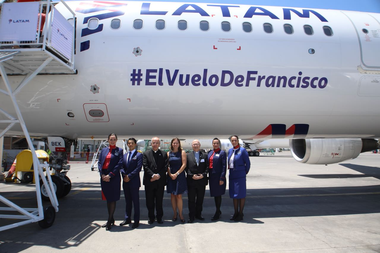 """LATAM unveils special plane for Pope""""™s Chile-Peru trip"""