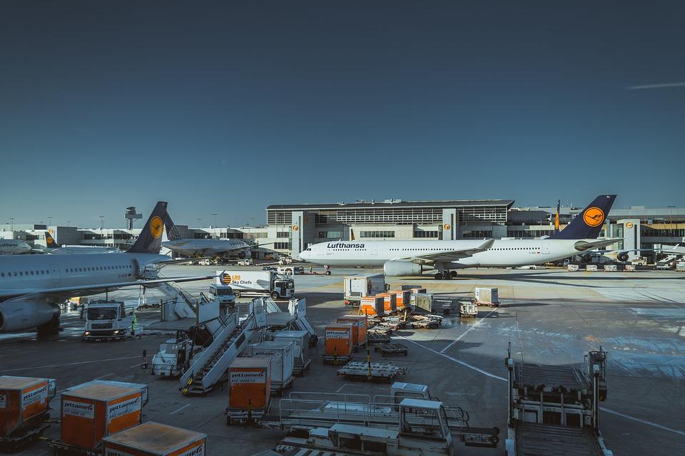 IATA y Deloitte publican una guía para privatizar aeropuertos