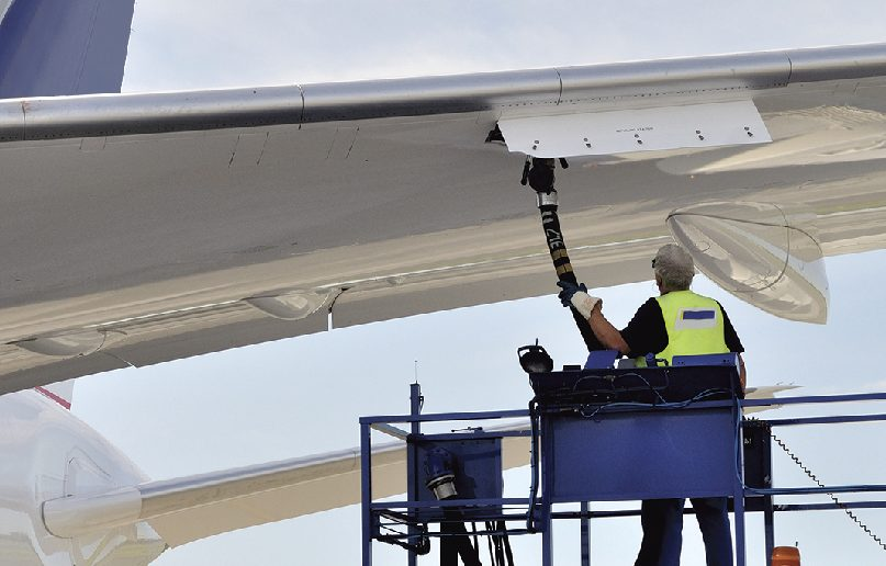 El precio del petróleo podría elevar las tarifas de los pasajes aéreos
