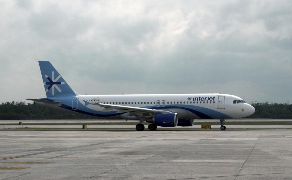 Cancela Interjet ruta Ciudad de México-Cozumel