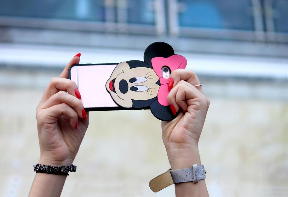 Twitter: azafata se tomó inocente selfie y dejó al descubierto su falta de honradez
