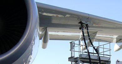 Aerolíneas mexicanas 'vuelan' por baja de 12% en costo de petróleo