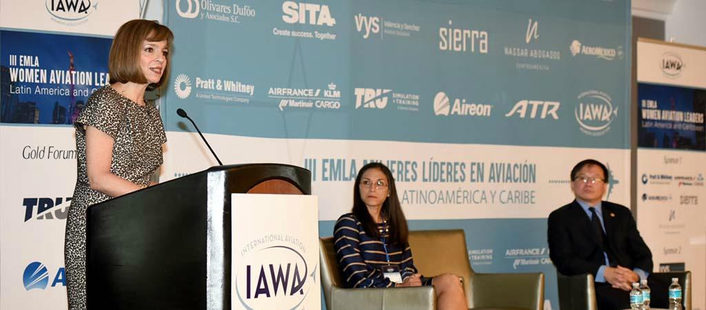 Hay 40% de mujeres en el sector aéreo mexicano: Yuriria Mascott