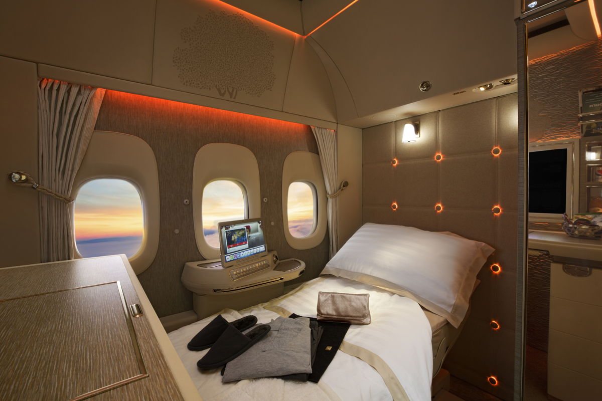 Emirates presenta la nueva suite privada de first class durante el Arabian Travel Market 2018