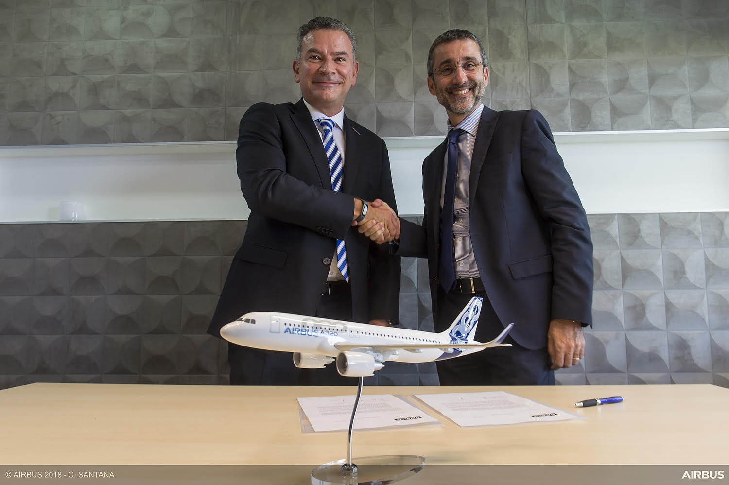 """JetSMART selects NAVBLUE""""™s ROPS system for its fleet"""