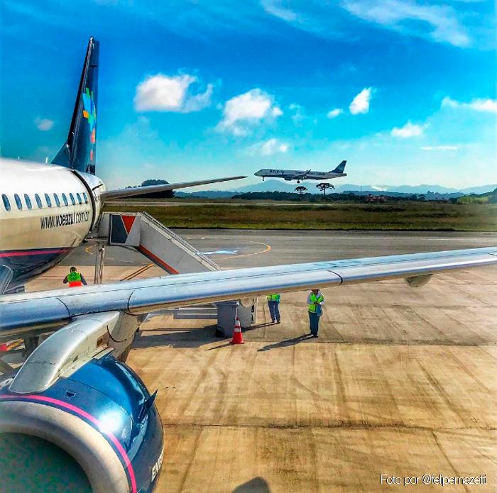 Aéreas entram no Cade contra parceria de Azul e Correios