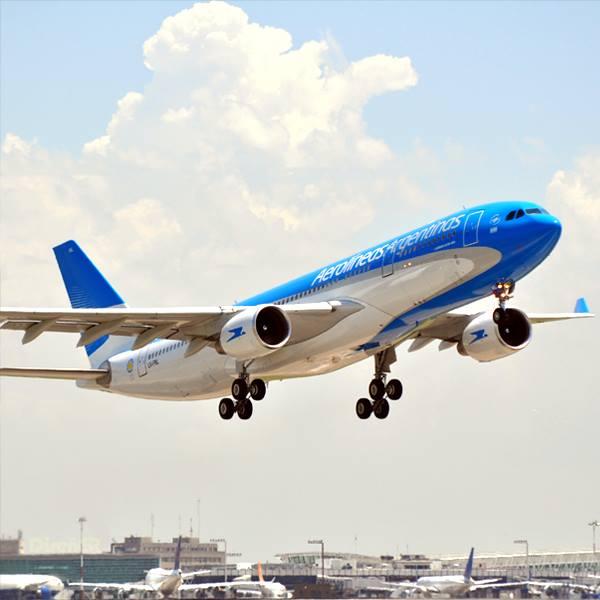 Aerolíneas Argentinas contratará a firmas extranjeras