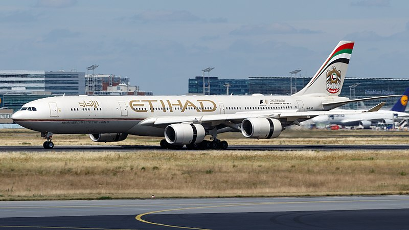 Etihad announces cautious return to flying