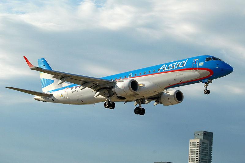 Informó el Grupo Aerolíneas haber recibido 20 ofertas para el recambio de la flota embraer de Austral