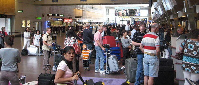 Londres: dos horas y media de cola para pasar los controles en el aeropuerto de Heathrow