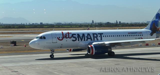 JetSMART se convierte en la primera aerolínea en operar ruta directa entre Arica y Calama