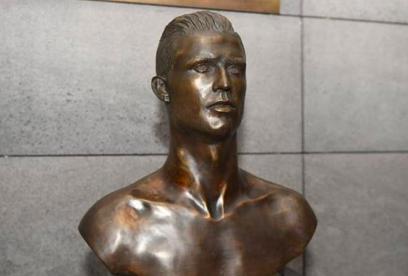 Reemplazan el polémico busto de Cristiano Ronaldo en el aeropuerto de Madeira