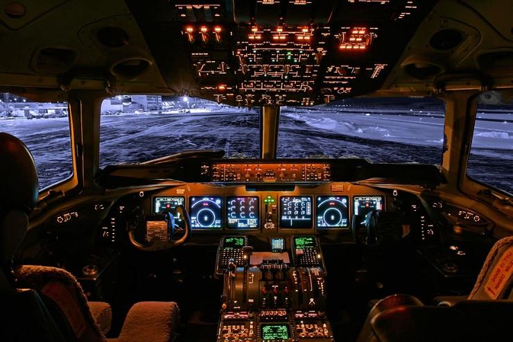 Enaire gestionó en mayo 12.000 vuelos, un 93,8 % menos, por el COVID-19