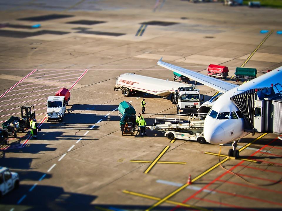 Argentina: Cierra el aeropuerto y empresarios de turismo pedirán traslados gratis