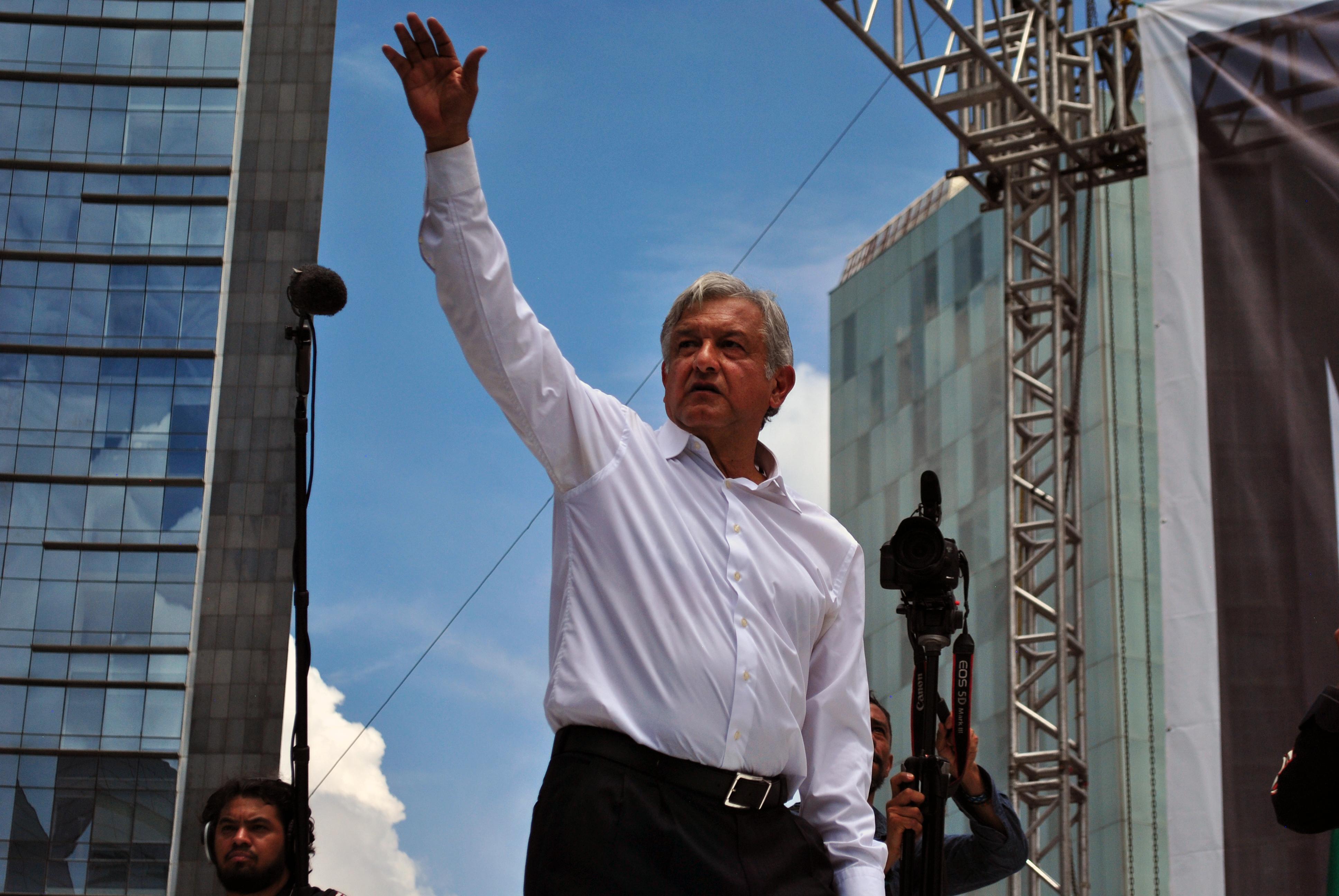 México: Avión presidencial, decisiones inminentes