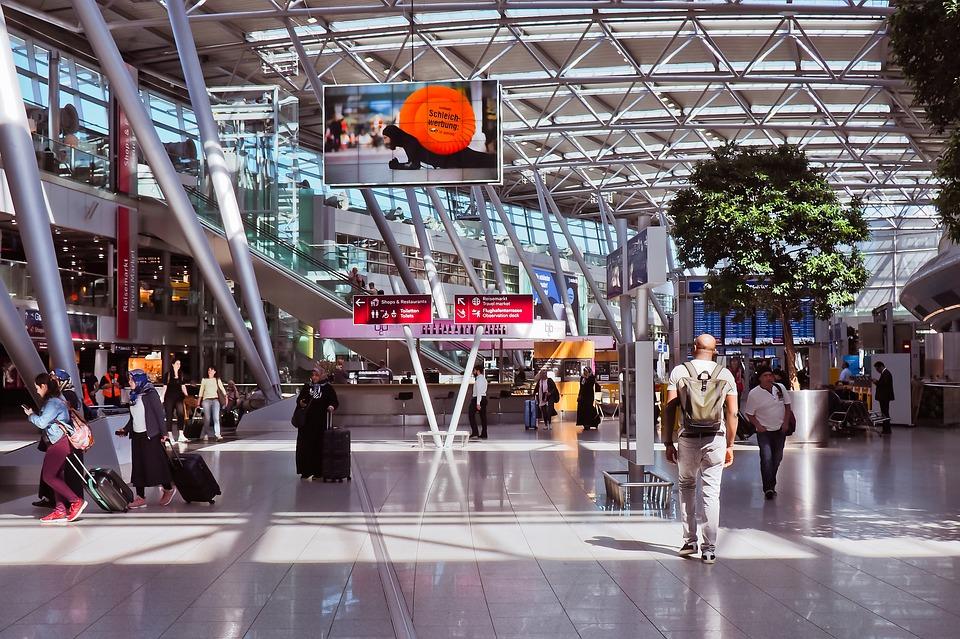 Estados Unidos podría eliminar la revisión de pasajeros en aeropuertos pequeños