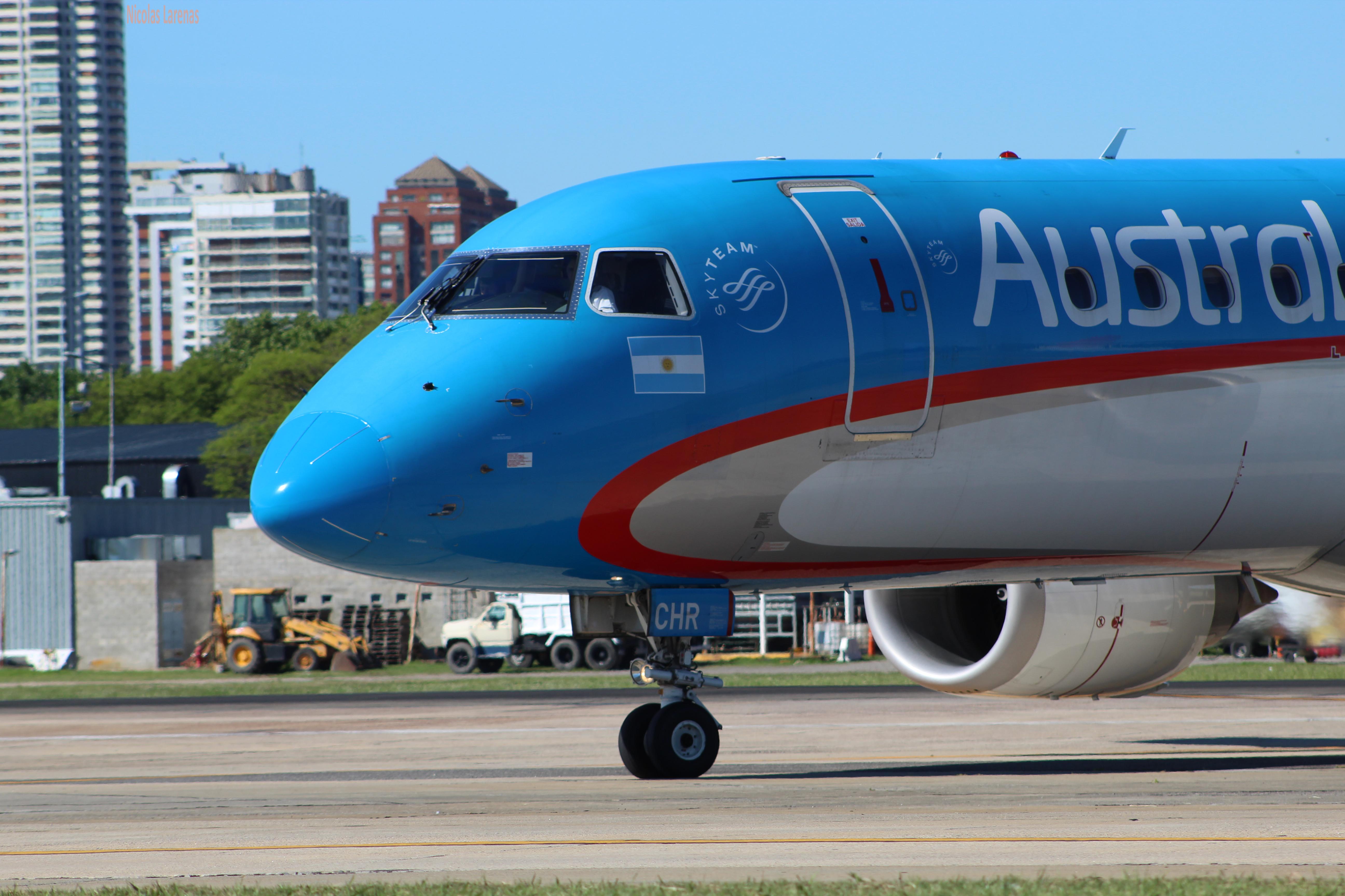 Austral seguirá con tres TCP en la flota Embraer
