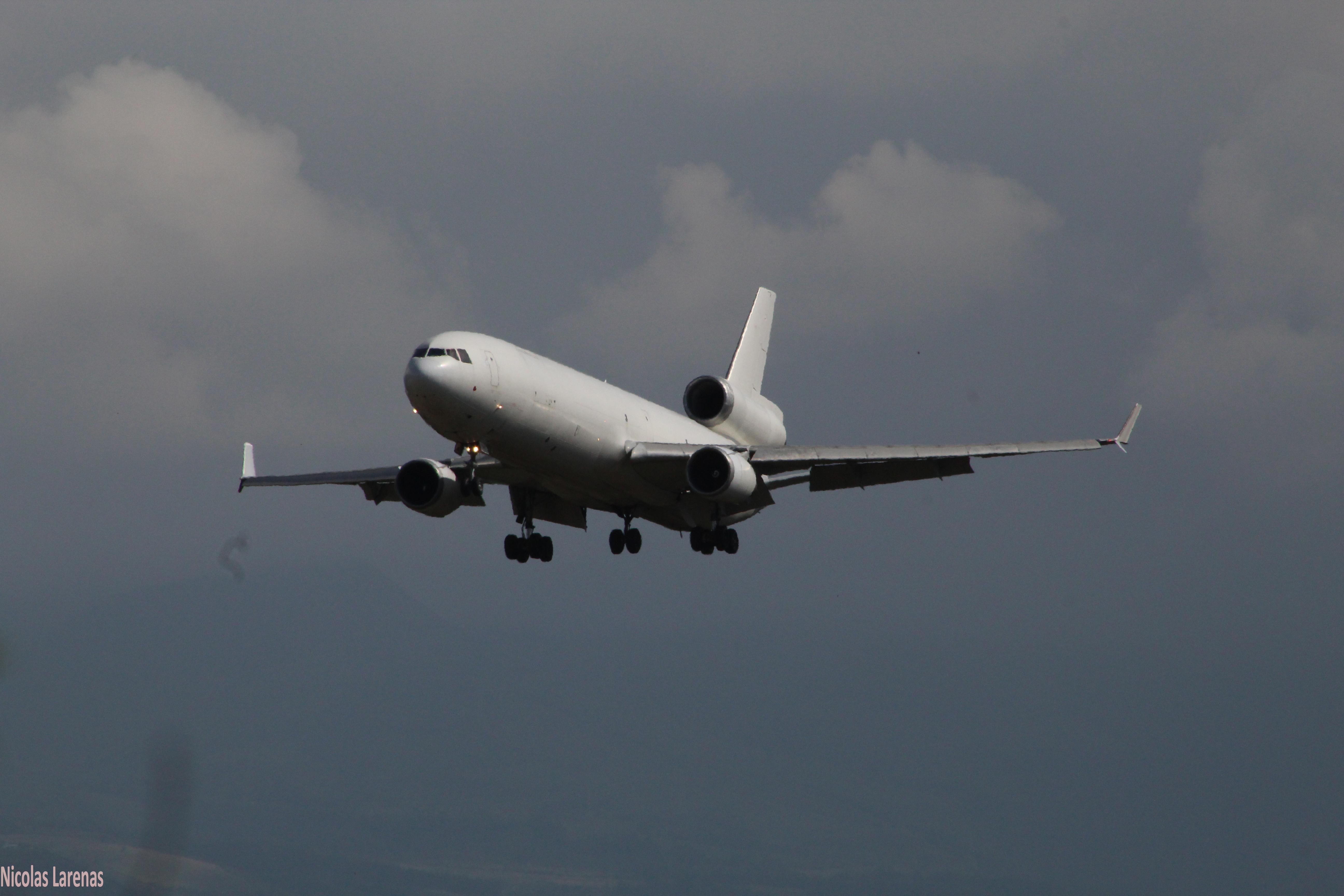 Granizo destroza nariz de avión en pleno vuelo en China