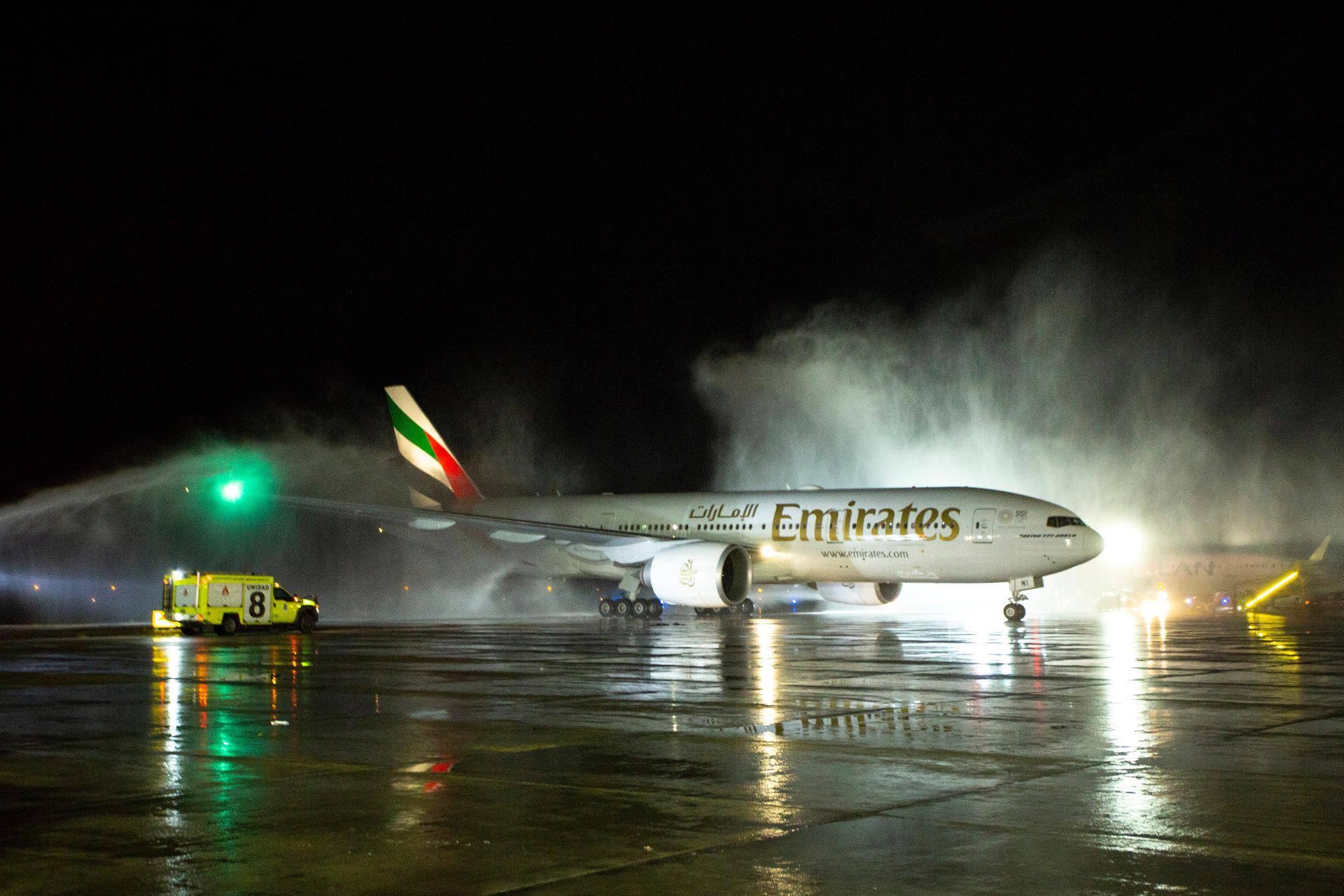 Emirates, el gigante árabe aterrizó este viernes en Santiago de Chile