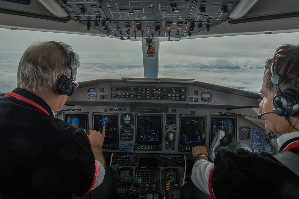 Piloto admite que bebió vino y cerveza antes de su vuelo