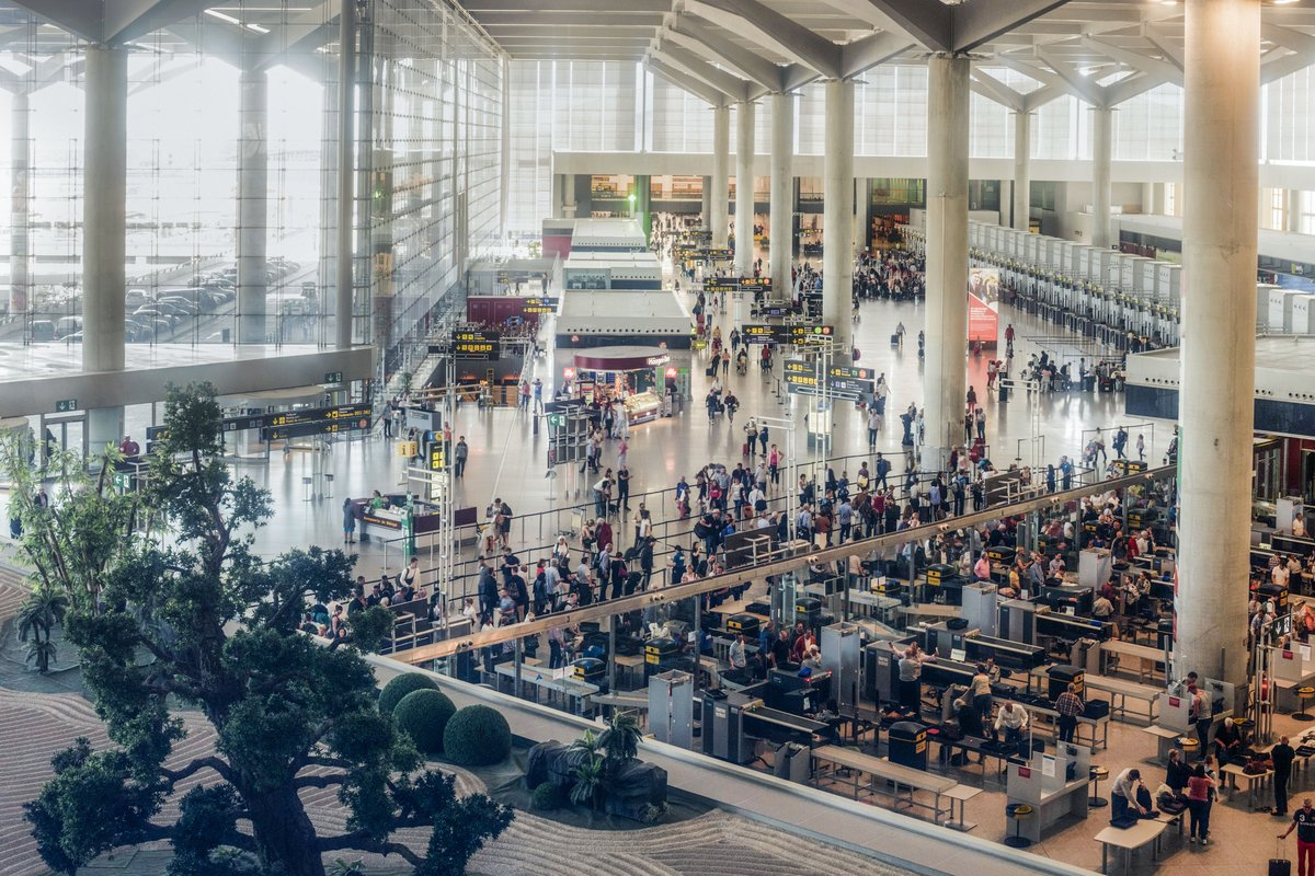 El tráfico de pasajeros en los aeropuertos europeos crece un 2,6% en el tercer trimestre