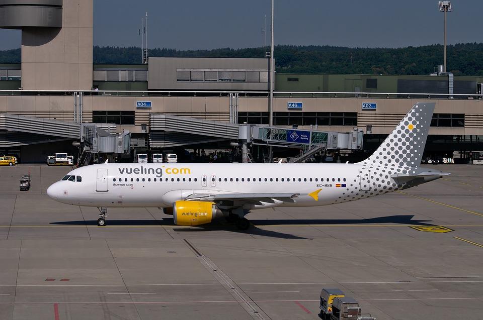 Vueling cierra nuevas alianzas con 4 aerolíneas para vuelos larga distancia