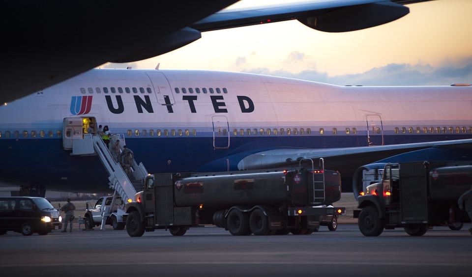 Ganancias de United Airlines subieron 54 % en segundo trimestre de 2019