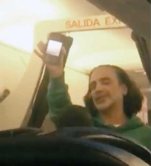 Tras escándalo en avión, se sincera Alejandro Fernández