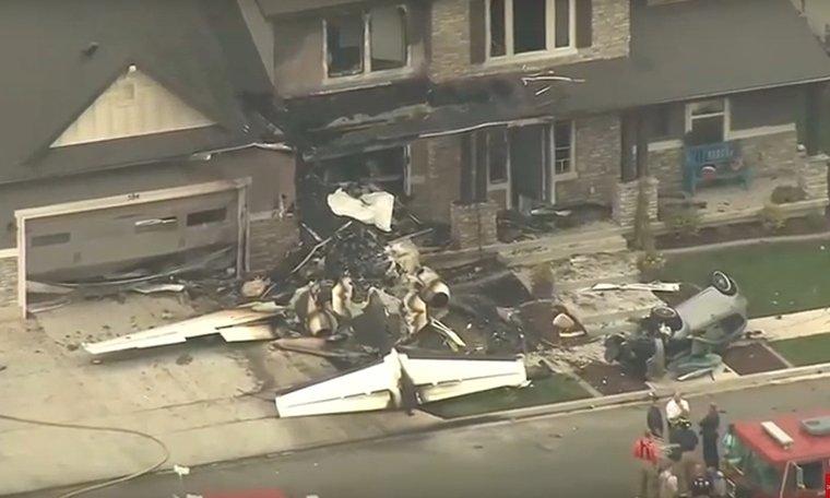 Un hombre estrella una avioneta contra su casa en EE.UU. tras agredir a su mujer