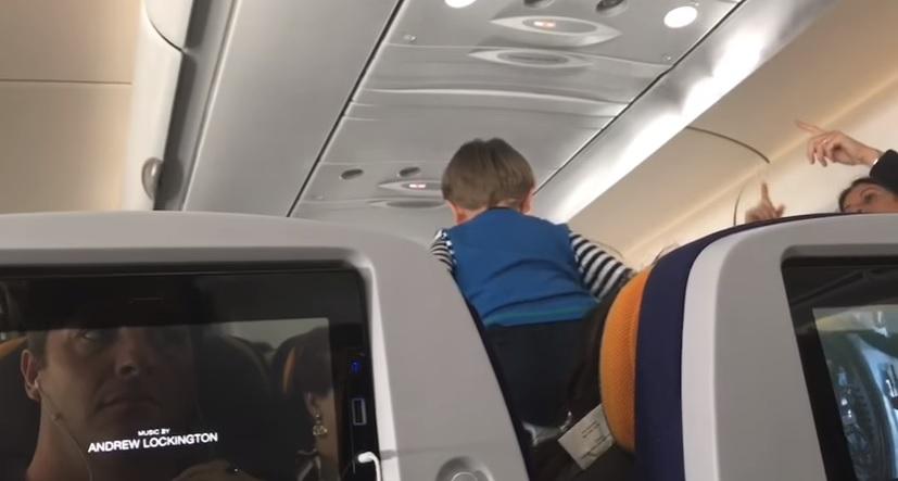 Niño se convirtió en un 'dolor de muelas' para los pasajeros de un avión que tenía como destino Nueva York