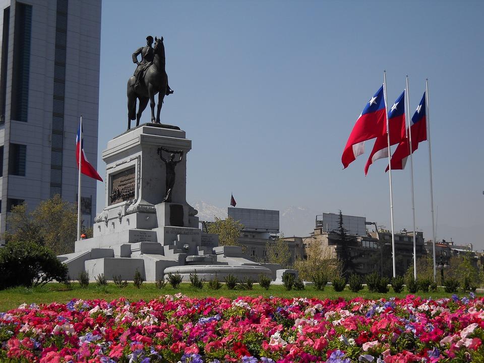 Radiografía del mercado que deja US$ 5.000 millones en Chile