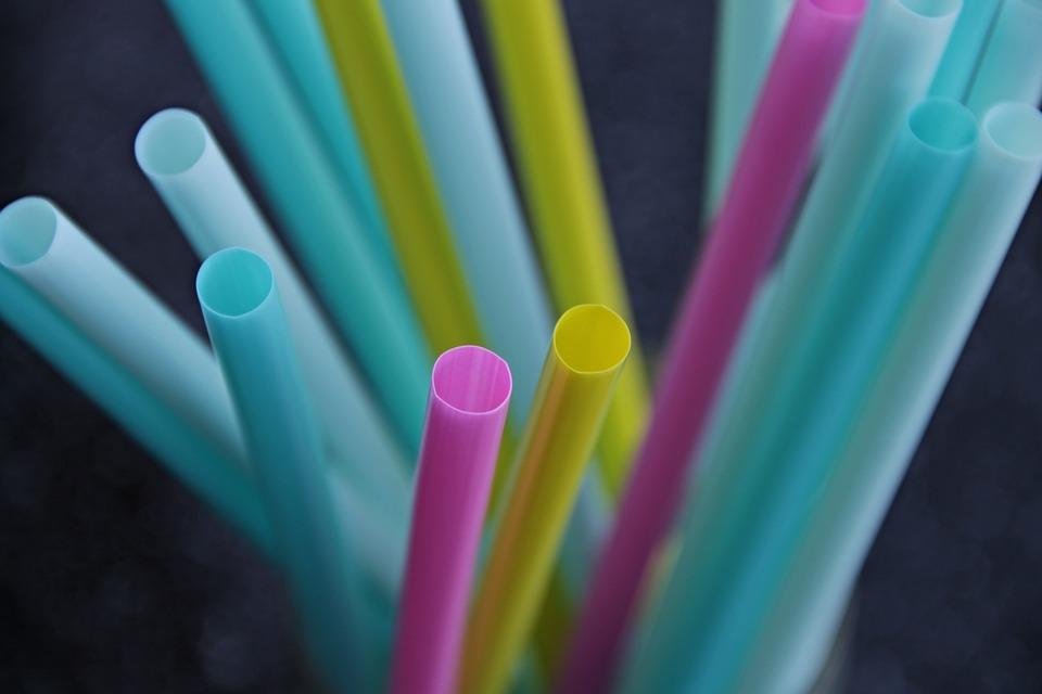 Viva Wyndham Resorts elimina los sorbetes de plástico