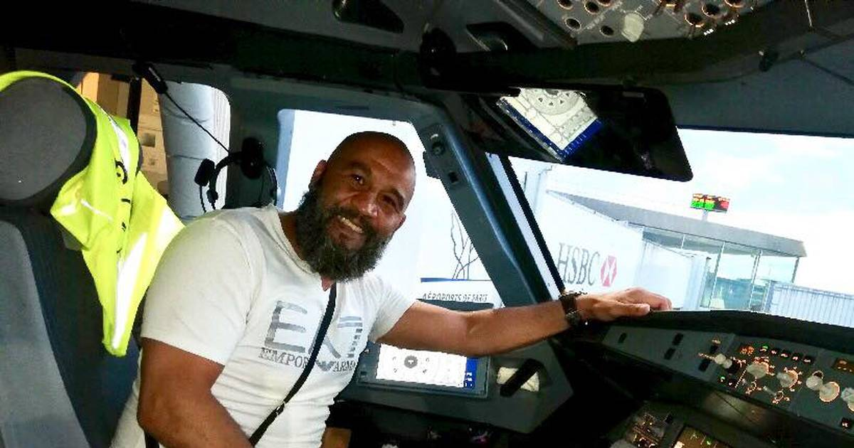 Un exboxeador evita que un pasajero borracho logre desviar un avión