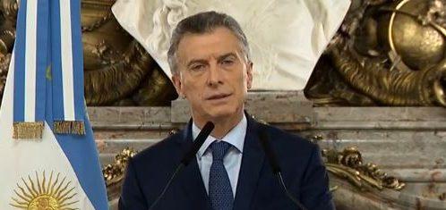 Macri pide al turismo empujar la creación de empleo en tiempo de crisis