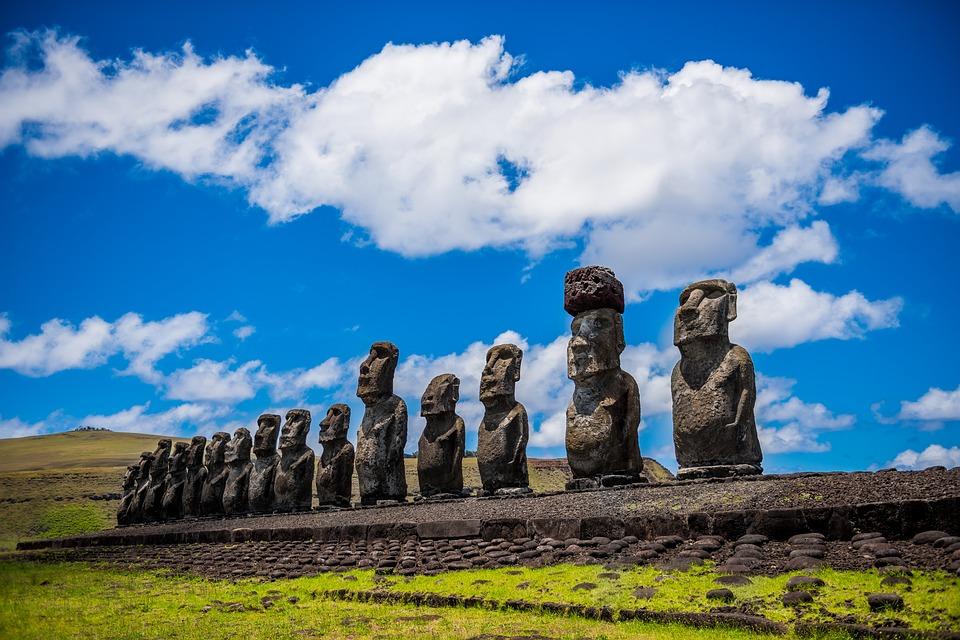 Isla de Pascua se prepara para reapertura con límite de turistas y vuelos