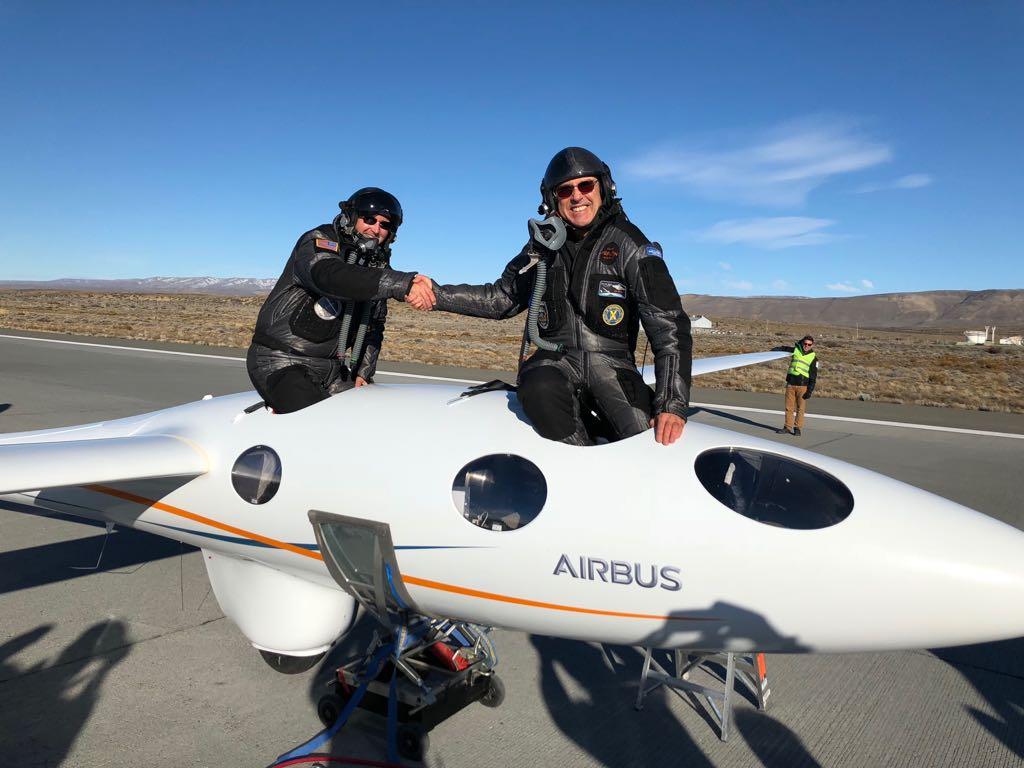Rompieron un récord mundial llegando al borde del espacio con un avión sin motores