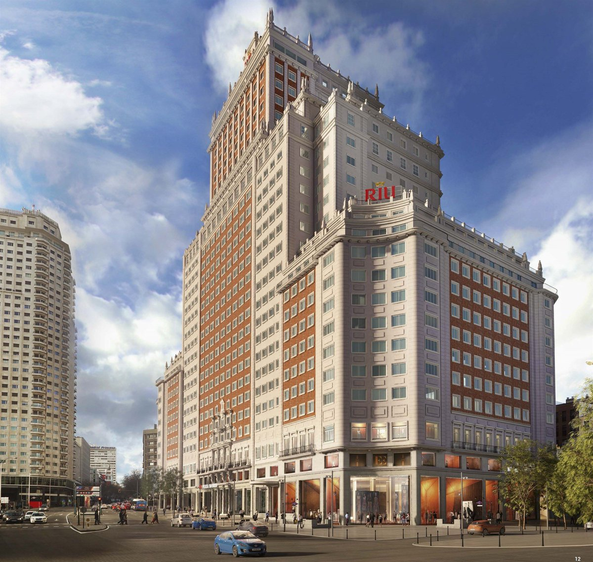 """Grupo RIU: """"En Edificio España estamos remodelando para reforzar estructura y conservar fachada en perfecto estado"""""""