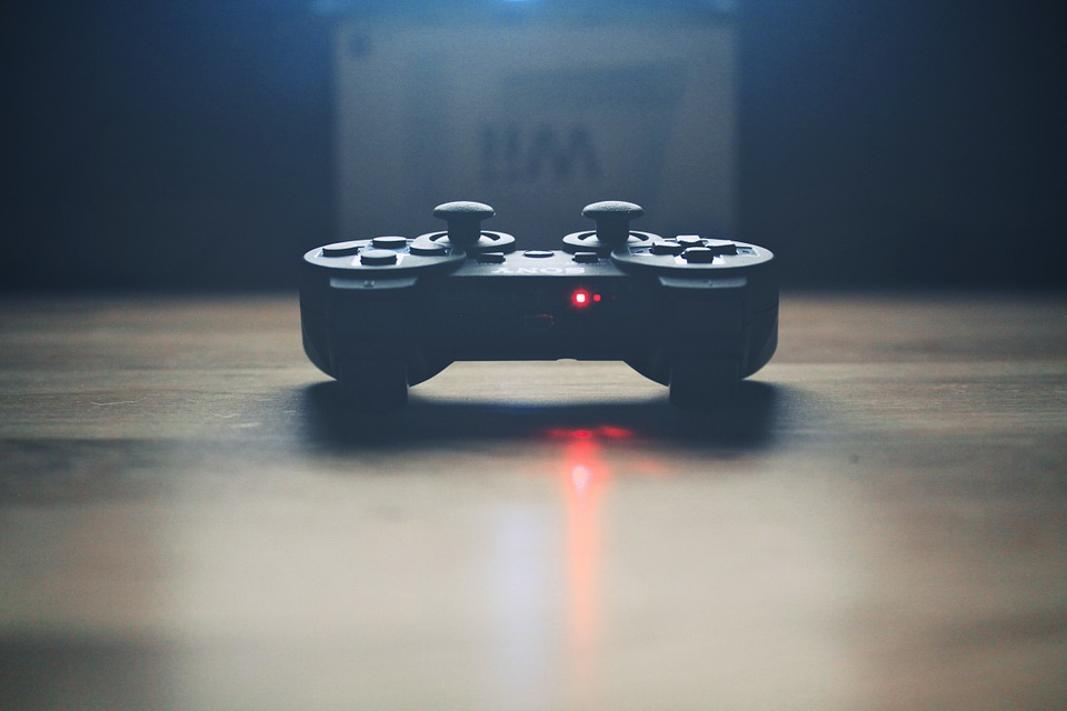 Los aeropuertos abren salas de videojuegos para mantener ocupados a los viajeros
