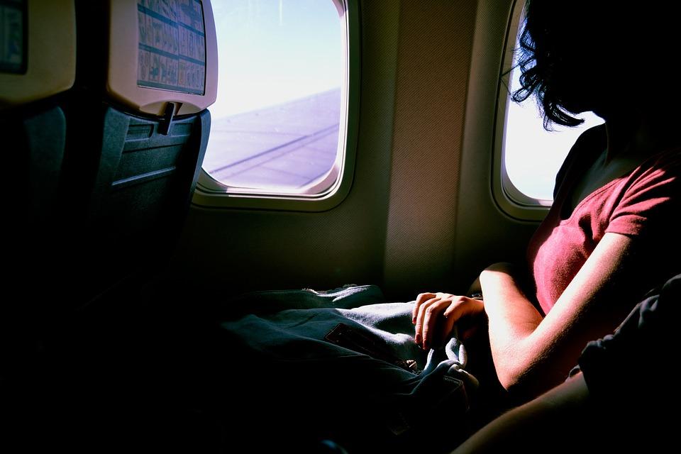 No vas a poder creer lo que los pasajeros se roban de los aviones