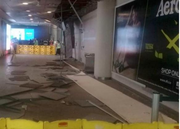 Se desploma parte del techo de Aeropuerto en Bogotá