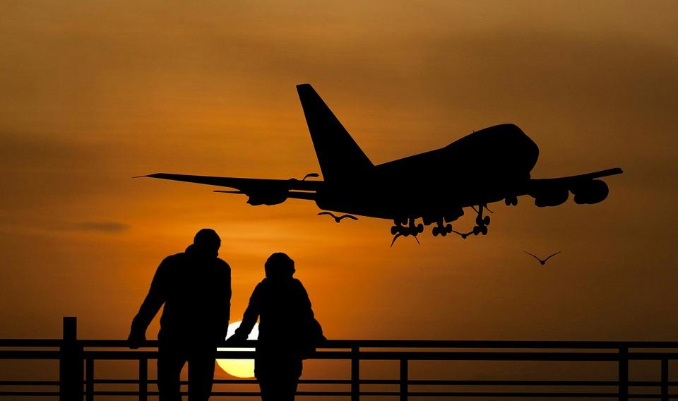 El impacto del COVID-19 en la industria aérea y la industria turística