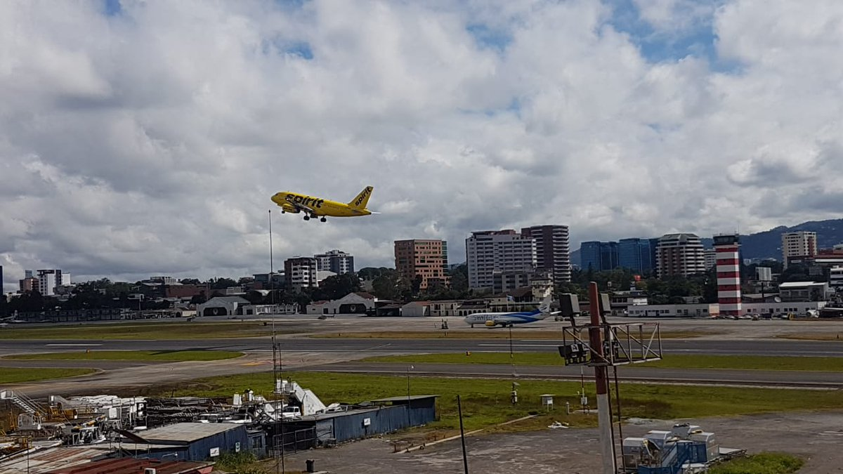 Guatemala: Actividad volcánica no afecta los vuelos del país