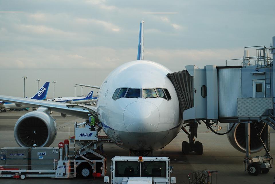 Desde 4 millones de pesos: Conoce los pasajes de avión que te permiten recorrer el mundo desde Santiago