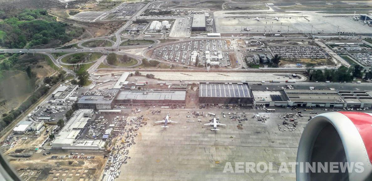Chile: Gobierno suscribe acuerdos para promover ingreso de aerolíneas y aumentar frecuencias