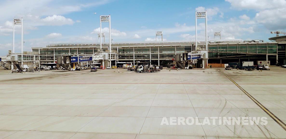 Aeropuerto de Santiago contará con sistema de autoconsumo energético renovable