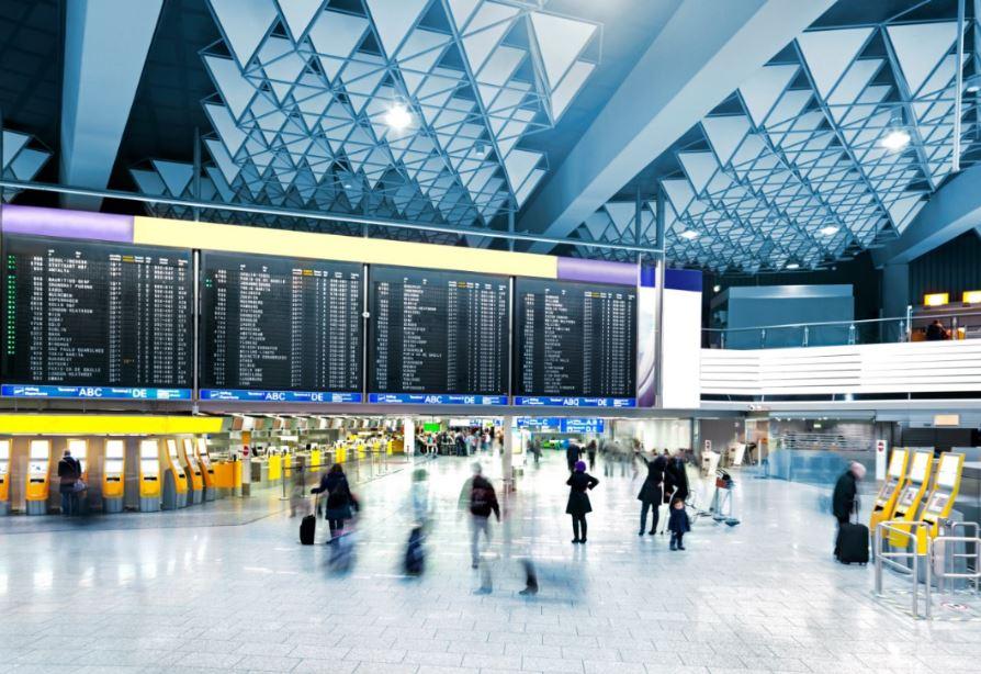 Simplifiquen los procesos de seguridad en aeropuertos: encuesta